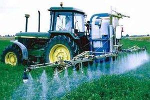 tractor fumigando para alquilar