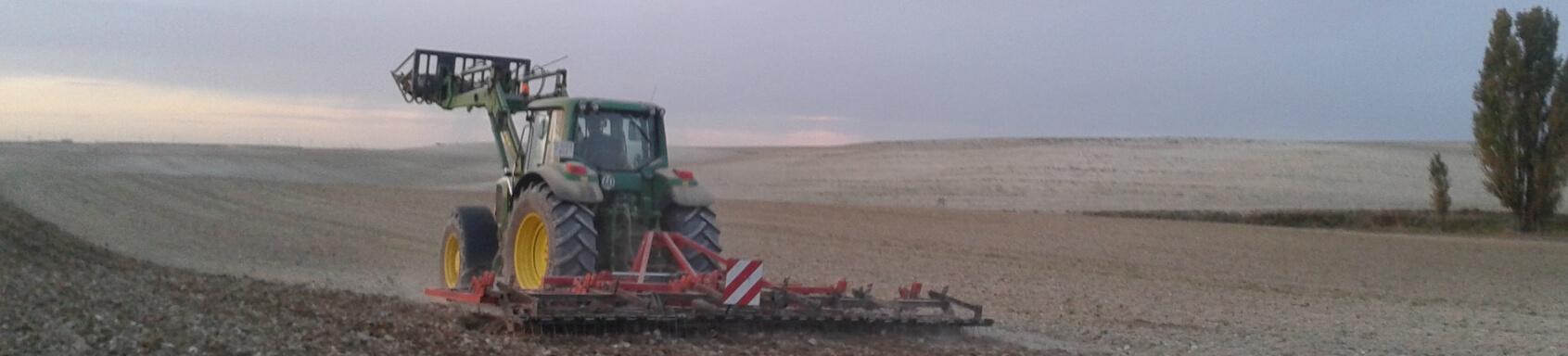 alquiler tractores agrícolas
